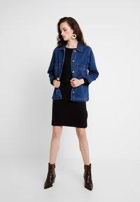 ONLY - ONLJESSIE BOATNECK DRESS - Vestido de punto - black - 2