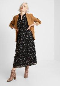 ONLY - ONLTHEA HIGHNECK DRESS - Košilové šaty - black - 2