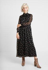 ONLY - ONLTHEA HIGHNECK DRESS - Košilové šaty - black - 0