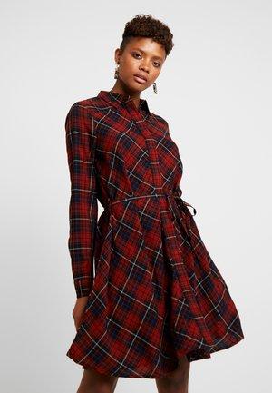 ONLBEXLIV DRESS - Blusenkleid - jester red/black