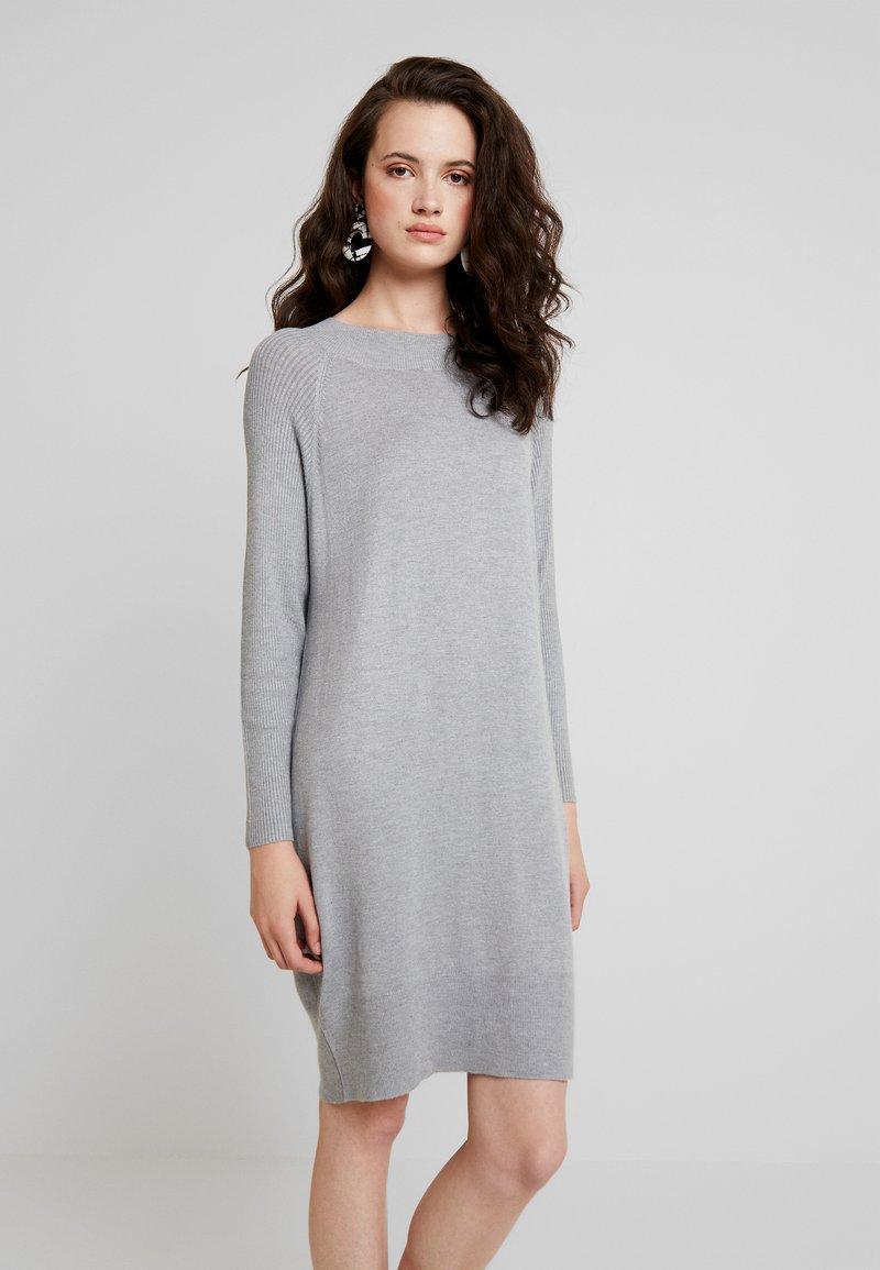 ONLY - Vestido de punto - ancho