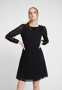 ONLY - ONLLINA DRESS - Robe d'été - black - 0