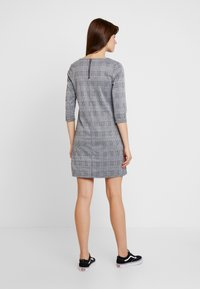 ONLY - ONLBRILLIANT 3/4 CHECK DRESS - Korte jurk - black/cloud dancer
