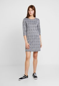 ONLY - ONLBRILLIANT 3/4 CHECK DRESS - Korte jurk - black/cloud dancer - 1