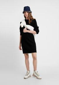ONLY - ONLJADE DRESS - Vestido de punto - black - 2