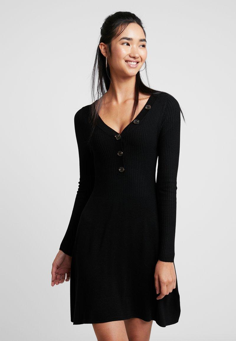 ONLY - ONLIZA DRESS - Strikkjoler - black