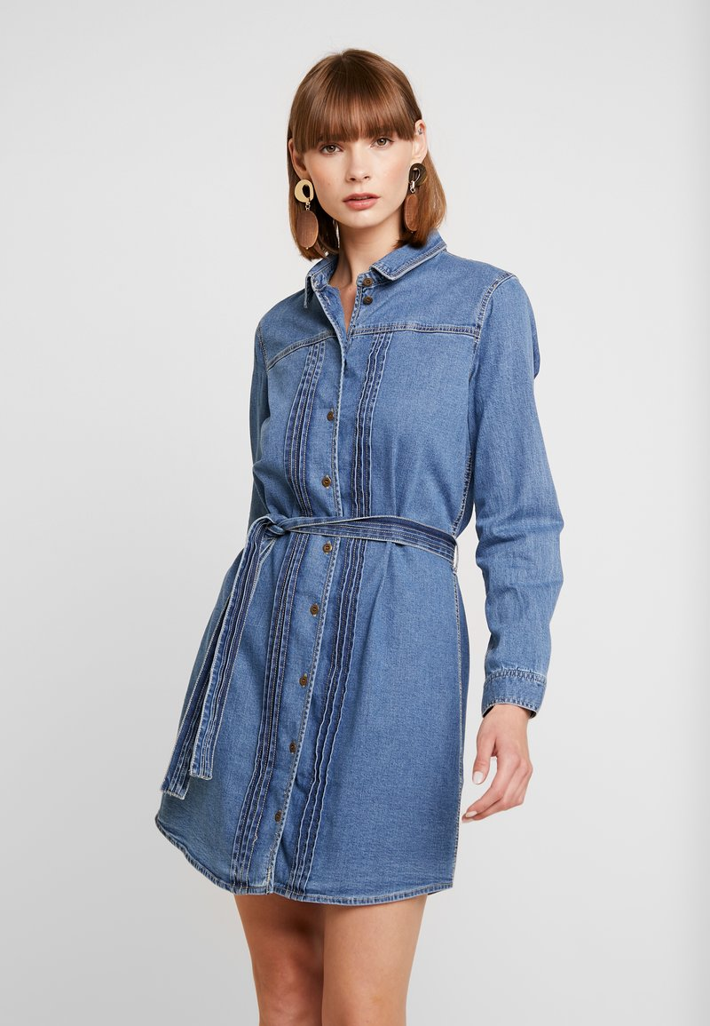 ONLY - ONLPHILIPPA PINTUCK - Jeanskjole / cowboykjoler - dark blue denim