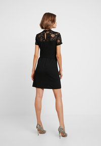 ONLY - ONLMONNA MIX DRESS - Robe en jersey - black - 3