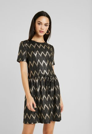 ONLCAROL DRESS - Stickad klänning - black