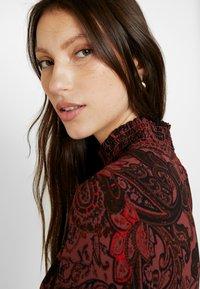 ONLY - ONLNOVA LUX SMOCK HIGHNECK DRESS - Sukienka letnia - apple butter - 5