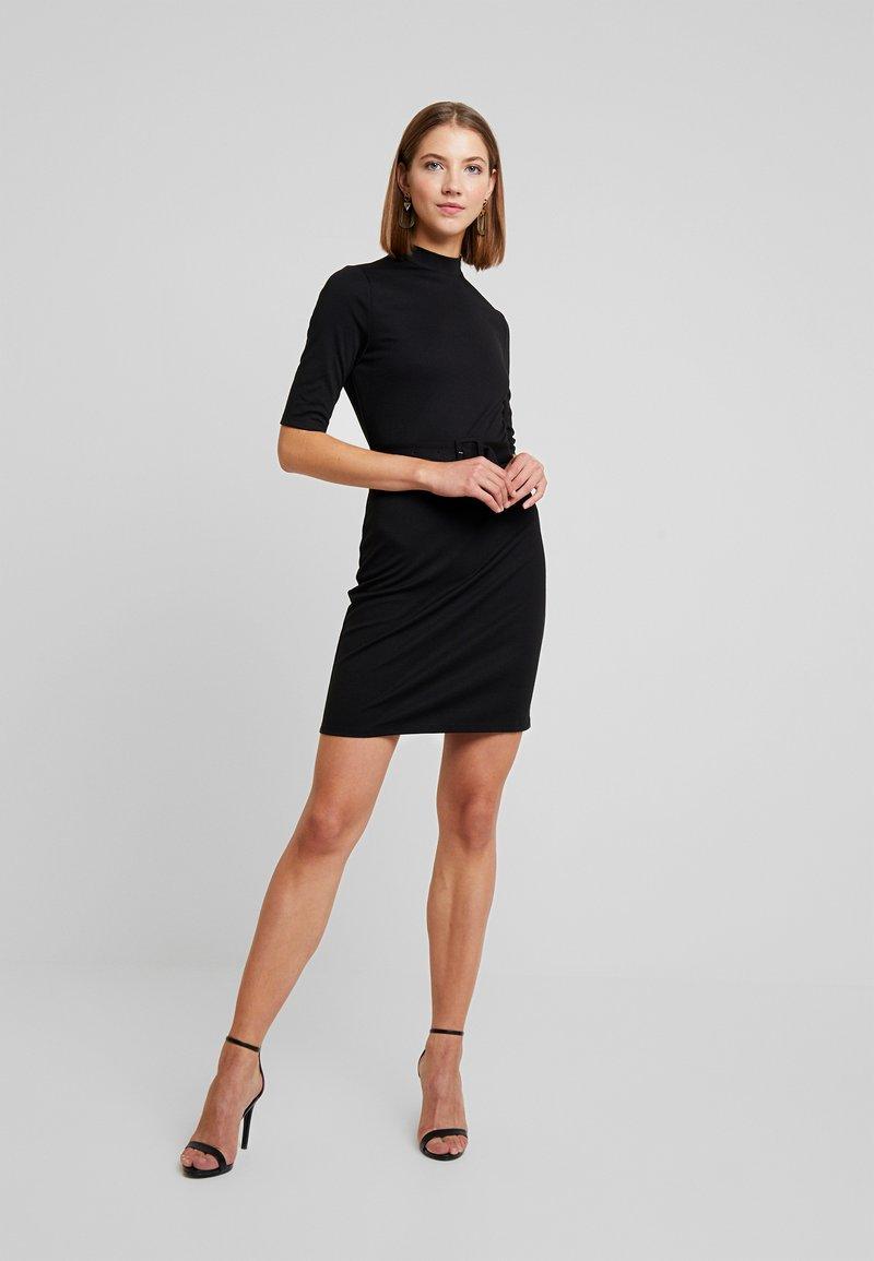ONLY - ONLFREJA BELTED DRESS - Pouzdrové šaty - black