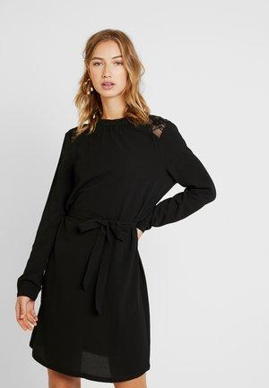 ONLMILA BELT DRESS - Robe d'été - black
