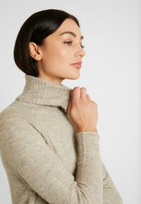 ONLY - ONLCLEAN ROLLNECK DRESS  - Maxikjole - simply taupe/melange - 3