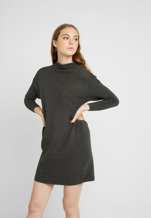 ONLANNAMAE DRESS - Pletené šaty - medium grey melange