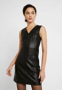 ONLY - ONLLIO DRESS - Etuikleid - black - 0