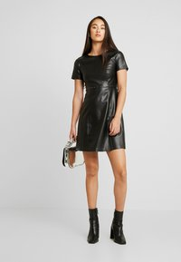 ONLY - ONLMAJKEN JOLEEN DRESS - Denní šaty - black