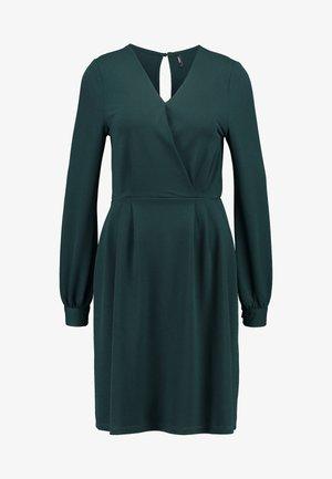 ONLMONNA DRESS - Jerseykjoler - ponderosa pine