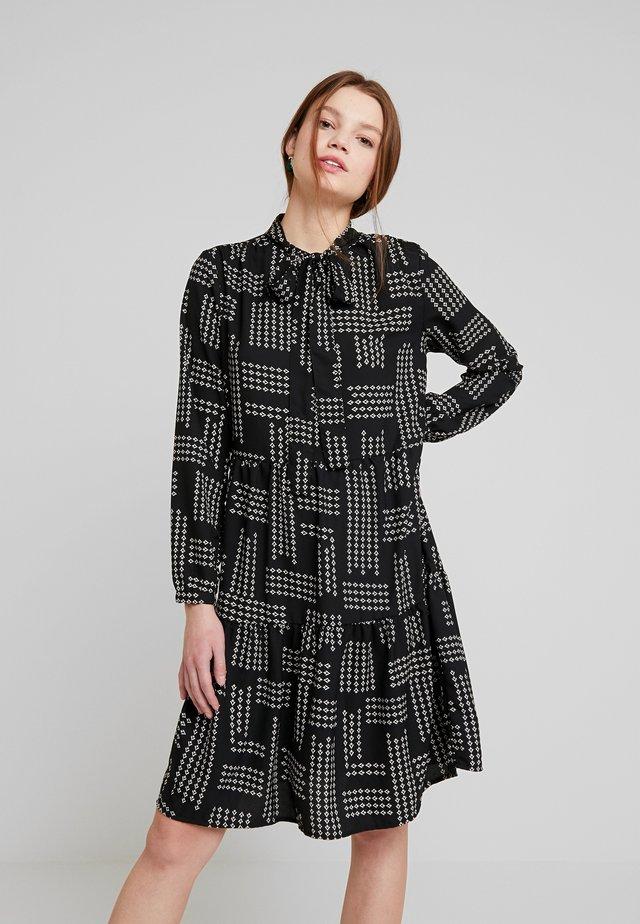 ONLCHICA DRESS - Denní šaty - black