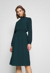 ONLY - ONLNOVA SMOCK HIGH DRESS  - Kjole - black - 0