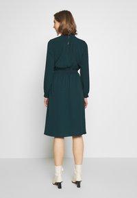 ONLY - ONLNOVA SMOCK HIGH DRESS  - Kjole - black - 2