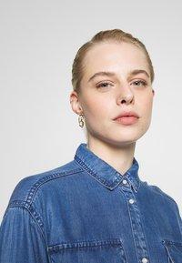 ONLY - ONLFBELISIMA KNEE DRESS - Košilové šaty - light blue denim - 3