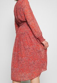 ONLY - ONLKENDEL DRESS BELT - Day dress - rust - 5