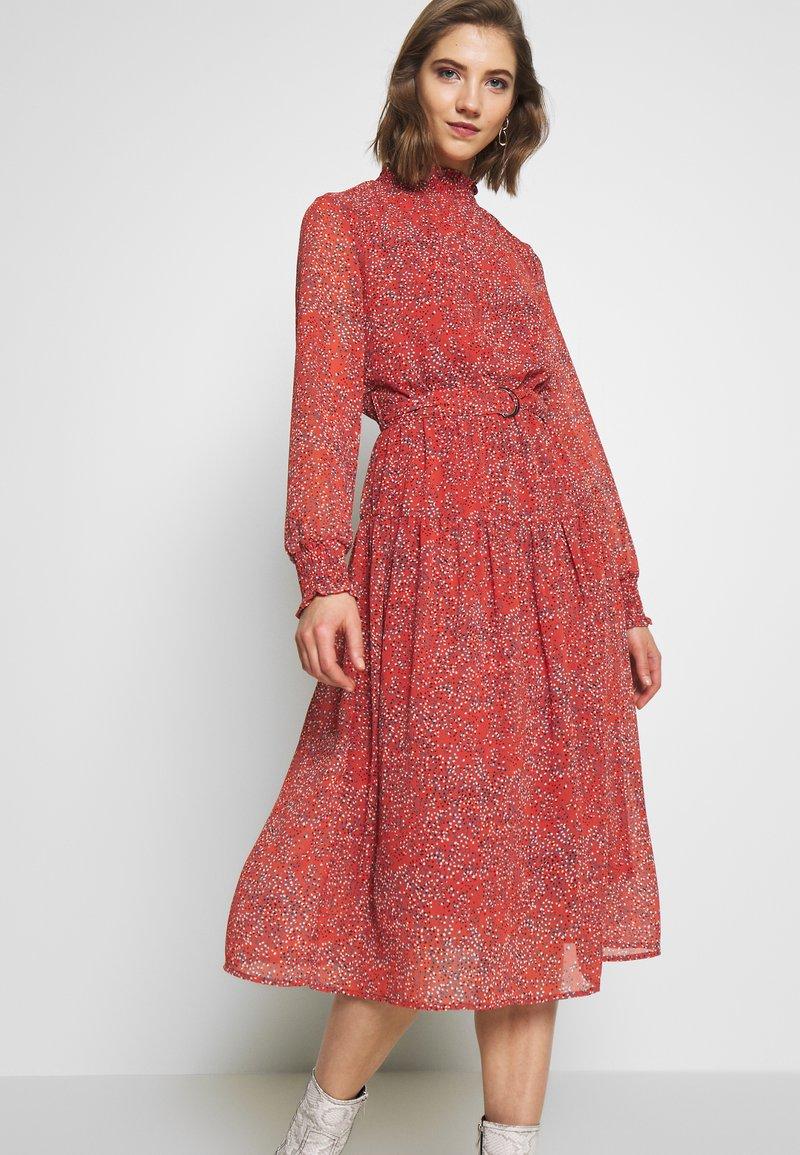 ONLY - ONLKENDEL DRESS BELT - Day dress - rust