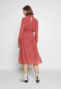 ONLY - ONLKENDEL DRESS BELT - Vestido informal - rust - 2