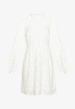 ONLNORA SHORT DRESS - Koktejlové šaty/ šaty na párty - cloud dancer