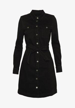 ONLFEISTY BELT DRESS - Vestido vaquero - black denim