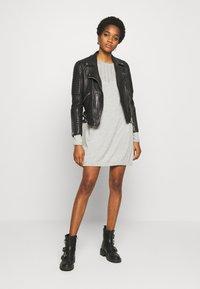 ONLY - ONLEDEN DRESS  - Jumper dress - light grey melange - 1