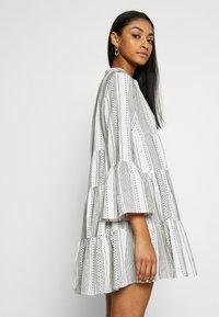 ONLY - ONLGRY ATHENA DRESS - Robe d'été - cloud dancer/black - 3