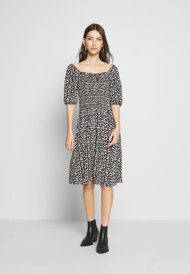 ONLSTING SMOCK DRESS  - Vestido ligero - black/daisy
