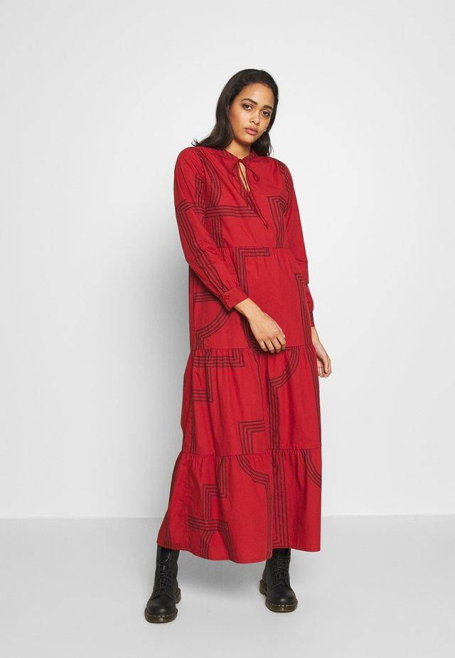 ONLMOIRA MAXI DRESS - Maxi dress - red/ochre
