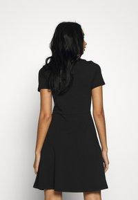 ONLY - ONLLIVE LOVE BOATNECK DRESS - Jerseyjurk - black - 2