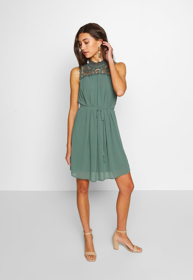 ONLCAT DRESS  - Korte jurk - balsam green