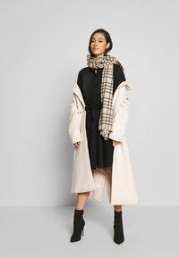 ONLY - ONLLIVIA DRESS - Denimové šaty - black - 1