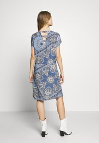 ONLY - ONLNOVA CONNIE BALI DRESS - Denní šaty - infinity - 3