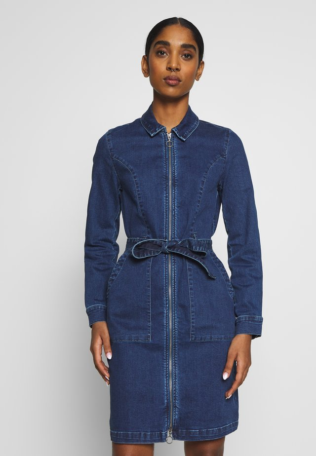 ONLCHIGO DRESS - Denim dress - medium blue denim