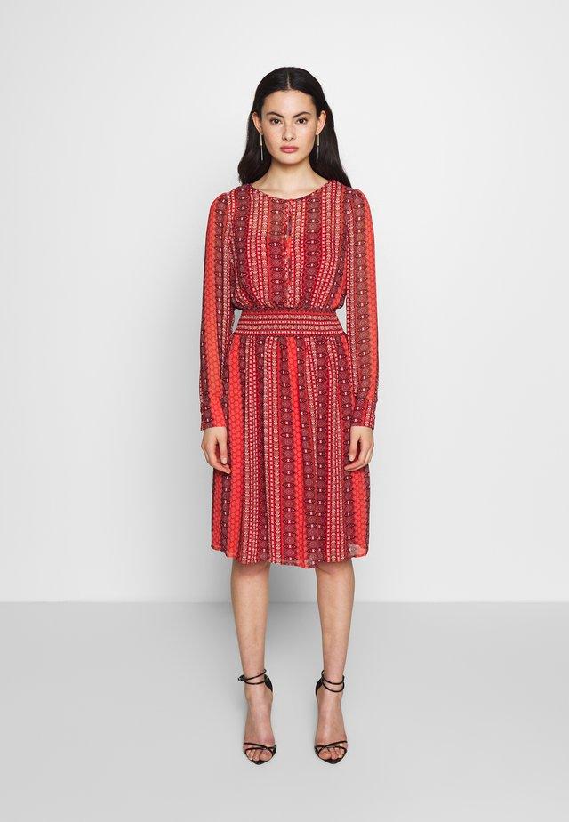ONLWILLOW DRESS - Vestido informal - bittersweet