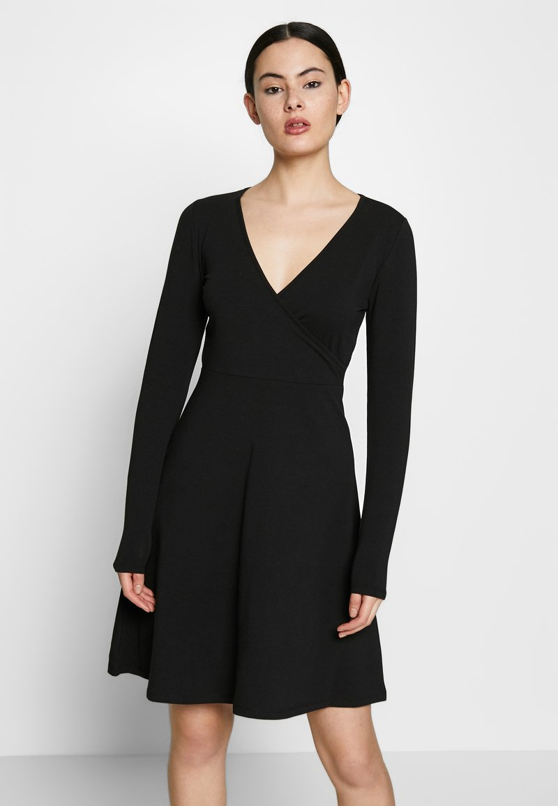 ONLY - ONLSALLY WRAP DRESS  - Trikoomekko - black