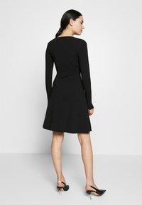 ONLY - ONLSALLY WRAP DRESS  - Trikoomekko - black - 2