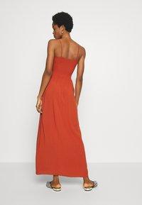 ONLY - ONLNOVA LIFE SMOCK DRESS SOLID - Maxi-jurk - arabian spice - 2
