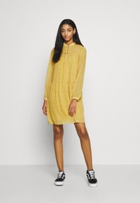 ONLY - ONLSUNNY DRESS  - Robe d'été - misted yellow/flowers