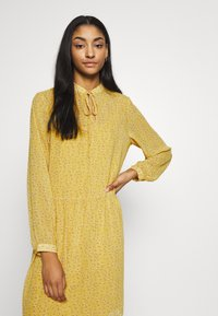 ONLY - ONLSUNNY DRESS  - Robe d'été - misted yellow/flowers - 3