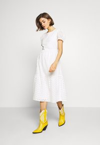 ONLY - ONLSANNIE CALF DRESS - Day dress - cloud dancer - 2