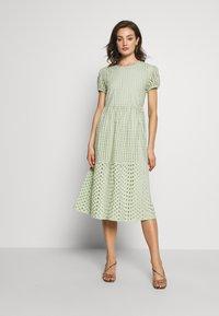 ONLY - ONLSANNIE CALF DRESS - Kjole - desert sage - 0
