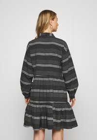 ONLY - ONLMILA SHORT DRESS - Vestido camisero - black/cloud dancer - 2