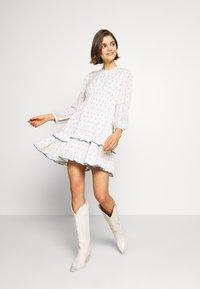 ONLY - ONLJOLYN DOT DRESS AFFA - Denní šaty - cloud dancer/syrah - 2
