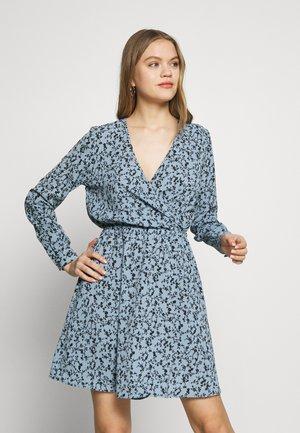 ONLNOVA LUX L/S WRAP DRESS WVN - Kjole - ashley blue/honeymoon